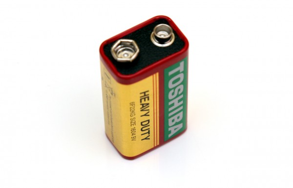 9v-toshiba-heavy-duty-battery