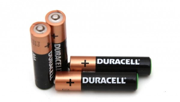 1-5v-aaa-duracell-alkaline-battery