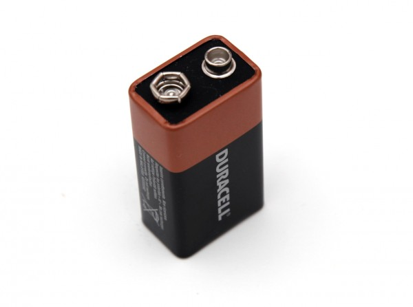 9v-duracell-alkaline-battery