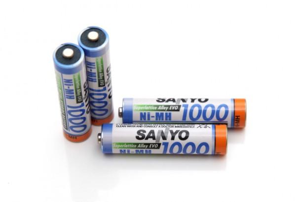 1-2v-aaa-1000-mah-sanyo-superlattice-alloy-evo-nimh-battery